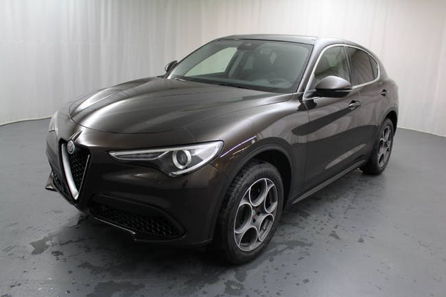 saloon Alfa Romeo Stelvio 2.0 Q4 280 Executive