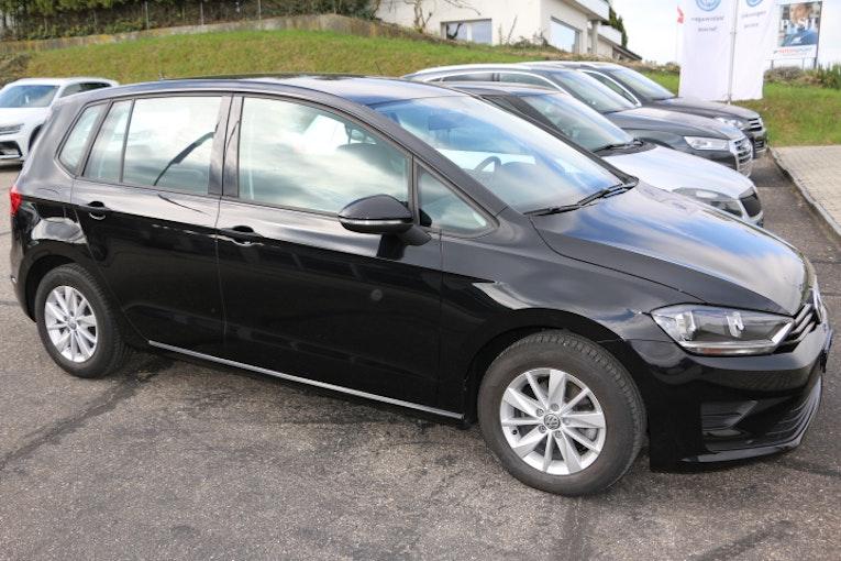 VW Golf Sportsvan Golf VII Sportsvan 1.2 TSI 110 Trendline 28'000 km 18'900 CHF - kaufen auf carforyou.ch - 1