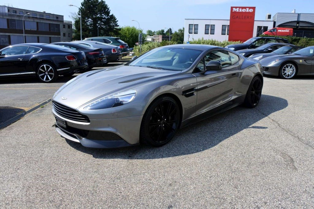 coupe Aston Martin Vanquish V12 5.9-48 Touchtronic 2