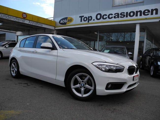 saloon BMW 1er 118d xDrive