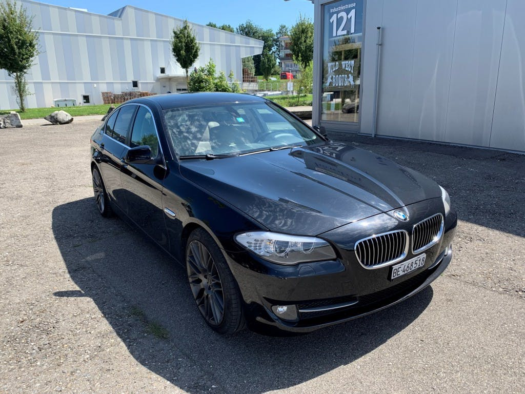 saloon BMW 5er 528i Steptronic