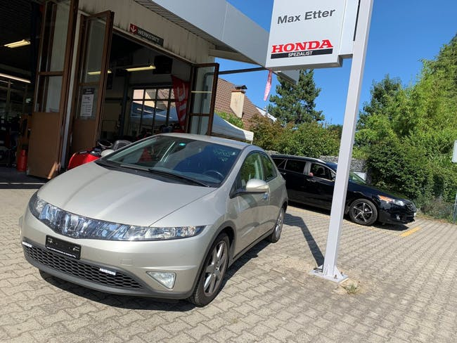 saloon Honda Civic 1.8i Sport