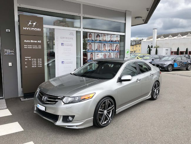 saloon Honda Accord 2.4i Type-S