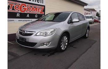 saloon Opel Astra 1.6i 16V Enjoy