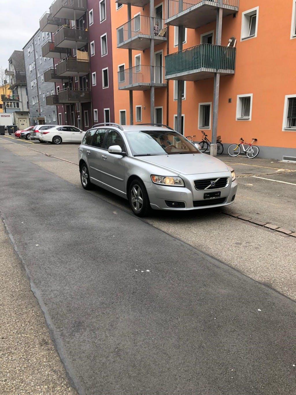 estate Volvo V50 2.0D Powershift