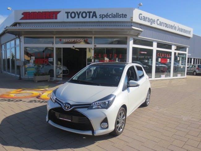 saloon Toyota Yaris 1.33 Sol Premium