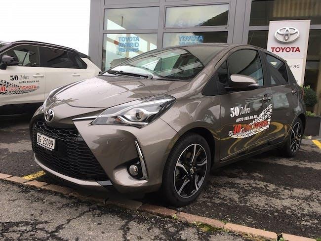 saloon Toyota Yaris 1.5 Trend