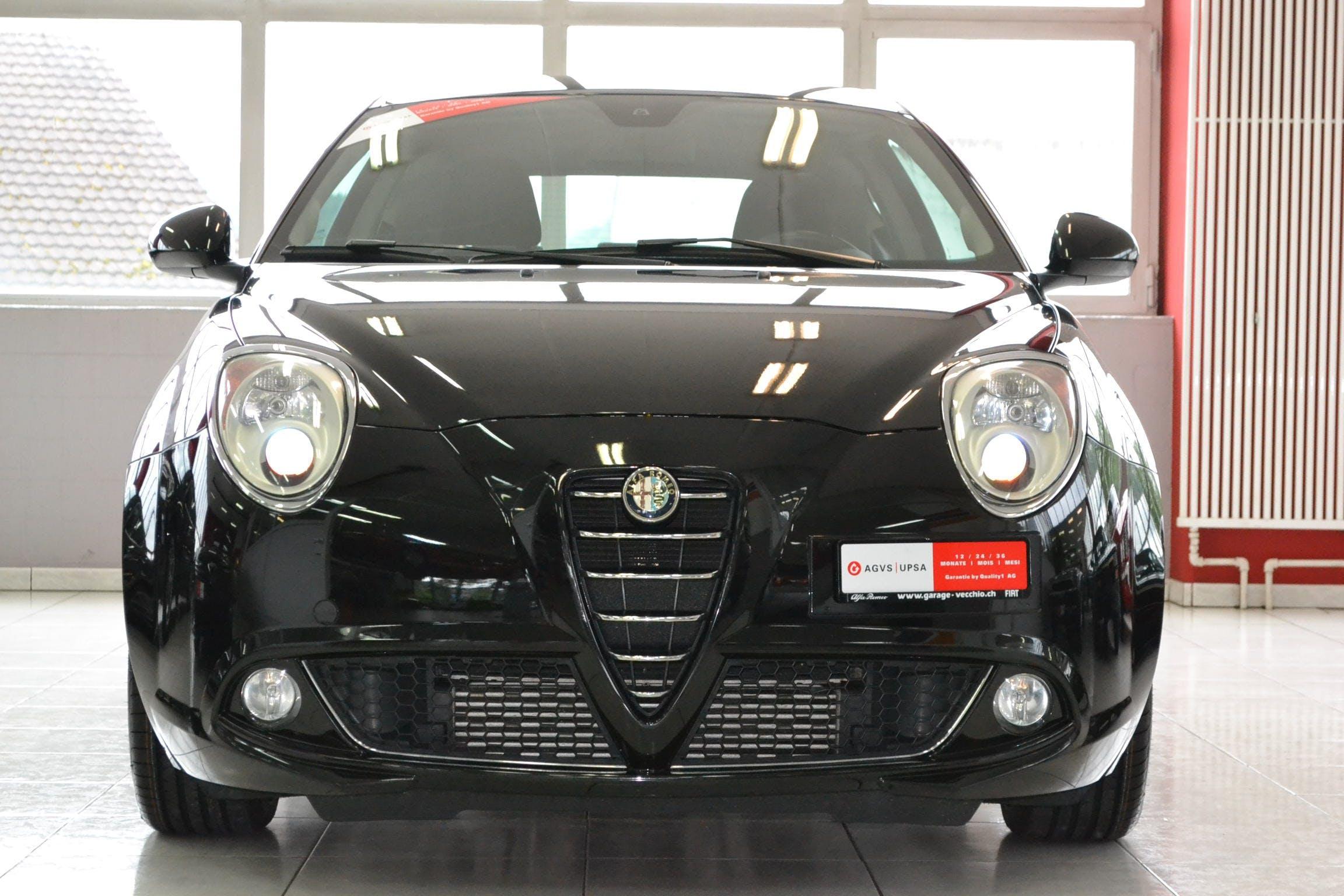saloon Alfa Romeo Mito 1.4 MultiAir Distinctive