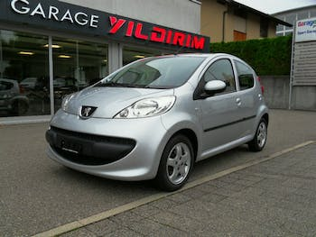saloon Peugeot 107 1.0 Black&Silver Edition 2-Tronic