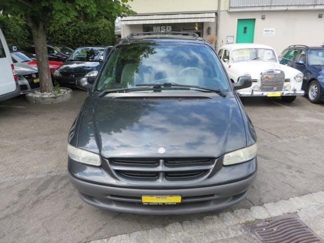 van Chrysler Voyager 2.4 SE