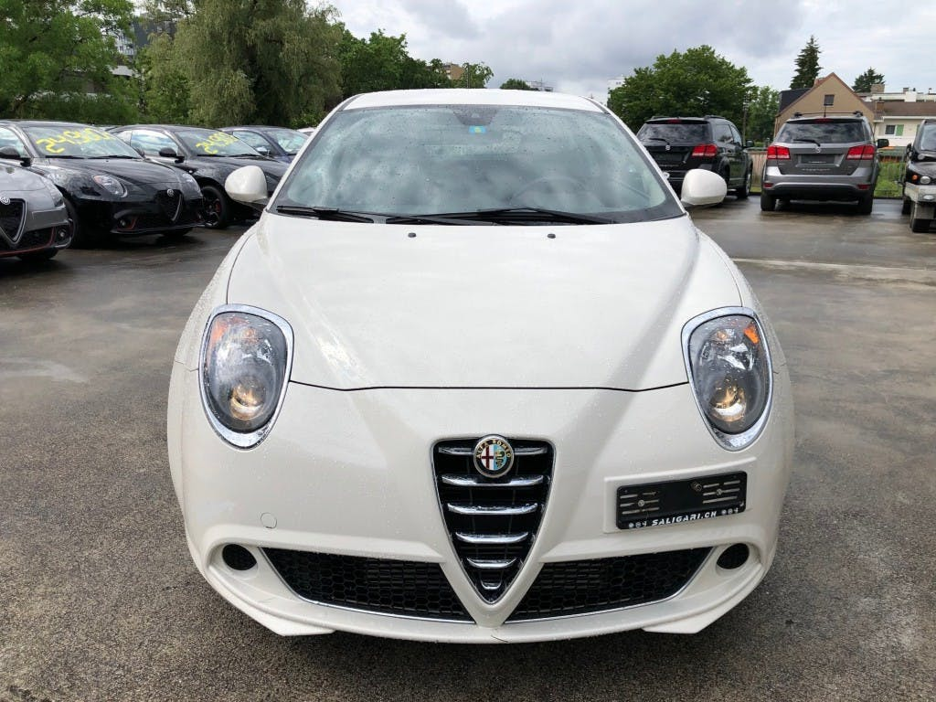 saloon Alfa Romeo Mito 1.4 TB Distinctive TCT