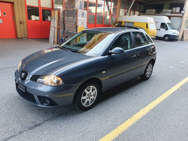 saloon SEAT Ibiza 1.4 16V Reference