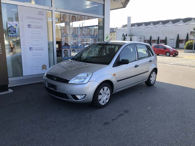 saloon Ford Fiesta 1.4 16V Ambiente