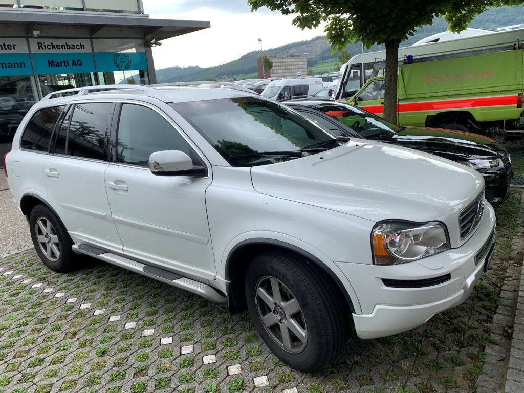 suv Volvo XC90 2,4 D5 AWD Momentum Geartronic