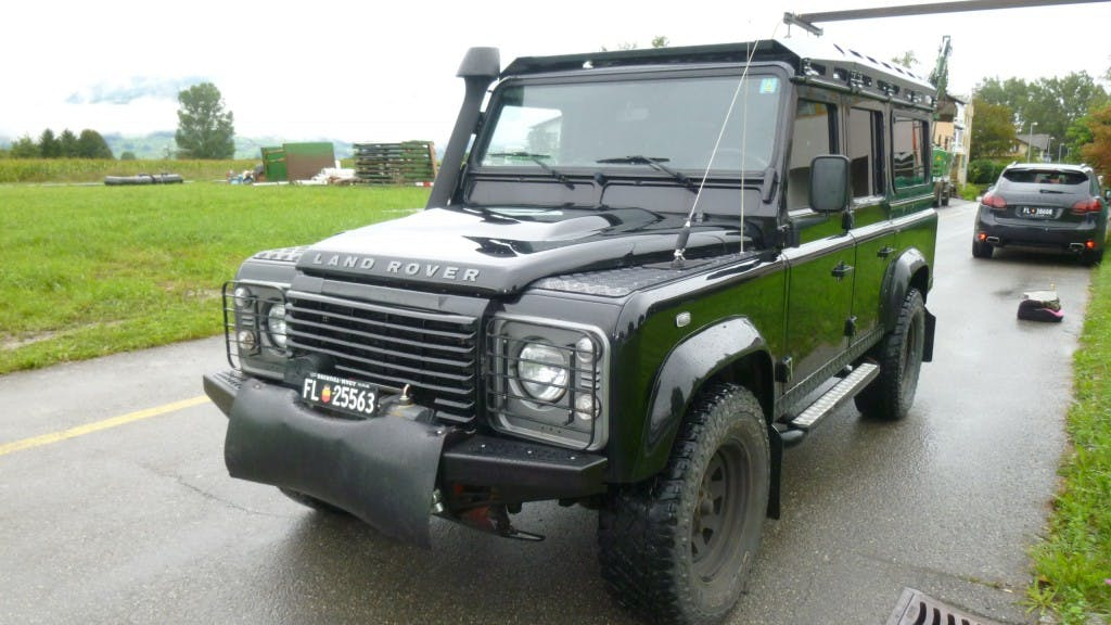 estate Land Rover Defender 110 2.2 TD4 Station Wagon