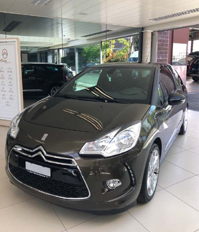 saloon DS Automobiles DS3 1.6 e-HDi 115 Sport Chic