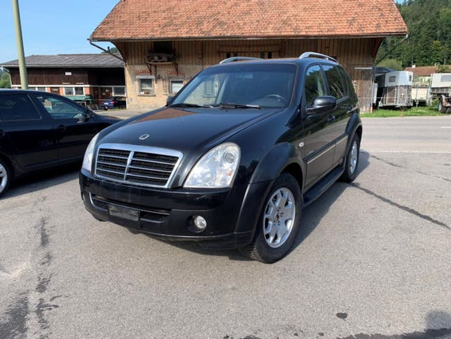 suv SsangYong Rexton RX 270 Xdi Deluxe Automatic