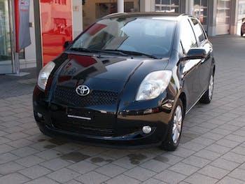 saloon Toyota Yaris 1.3 16V Chic