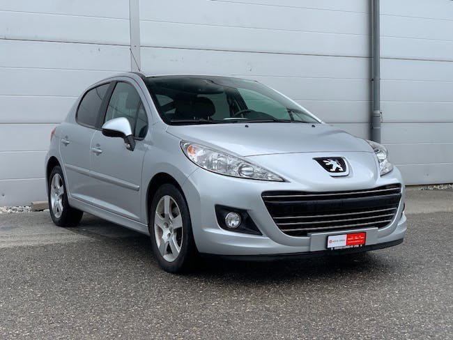 saloon Peugeot 207 1.6 16V Allure Automatic