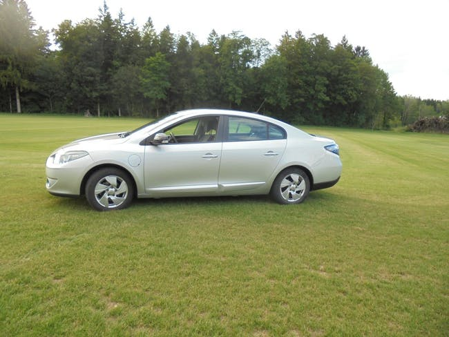 saloon Renault Fluence Z.E Expression