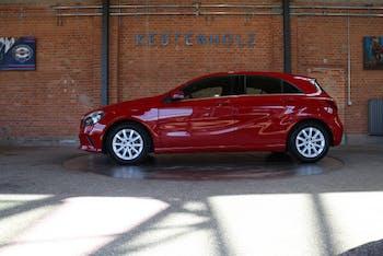 saloon Mercedes-Benz A-Klasse A 180 CDI Style