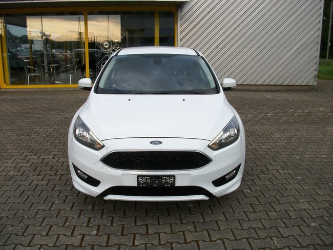 saloon Ford Focus 1.5 SCTi Carving