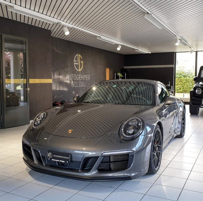 coupe Porsche 911 Carrera 4 GTS PDK