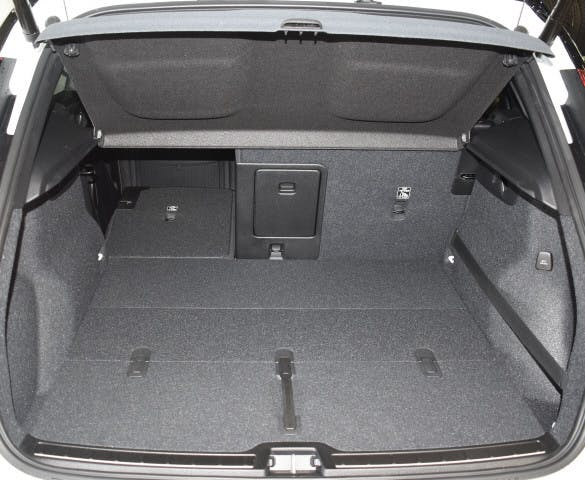 Buy Wagon Volvo XC40 D4 AWD R-Design on carforyou ch