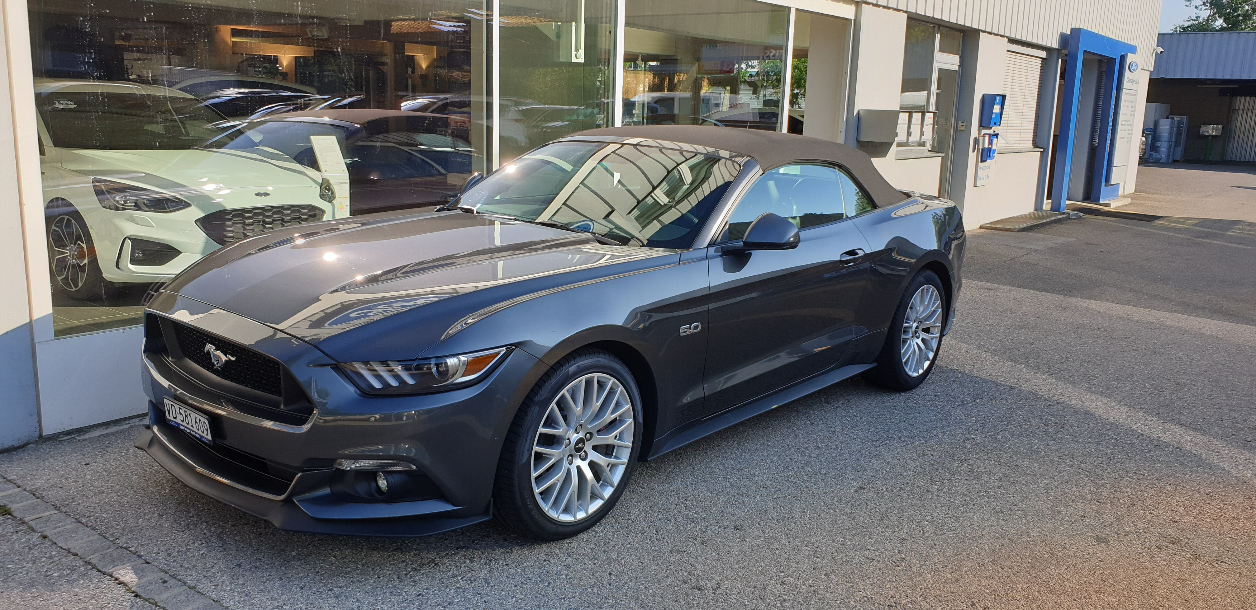 cabriolet Ford Mustang Convertible 5.0 V8 GT