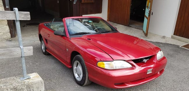cabriolet Ford Mustang FORD (USA) 3.8 Cabrio