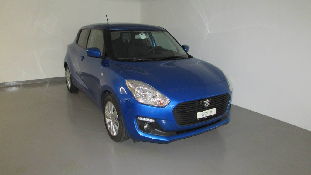 saloon Suzuki Swift 1.0 T Compact+