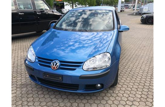 saloon VW Golf 2.0 FSI Comfortline