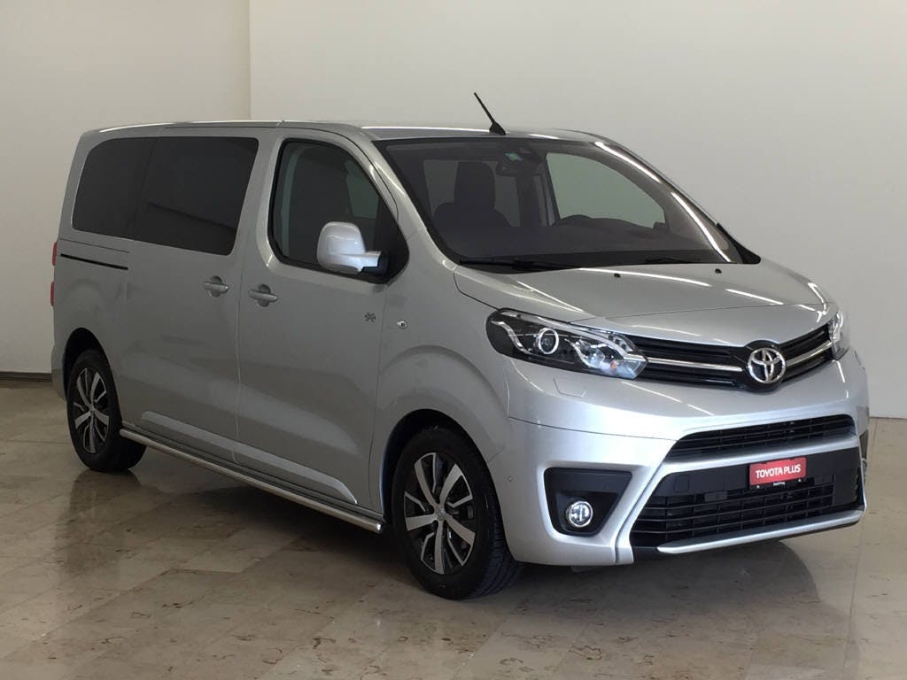 bus Toyota Proace 2.0 D Family