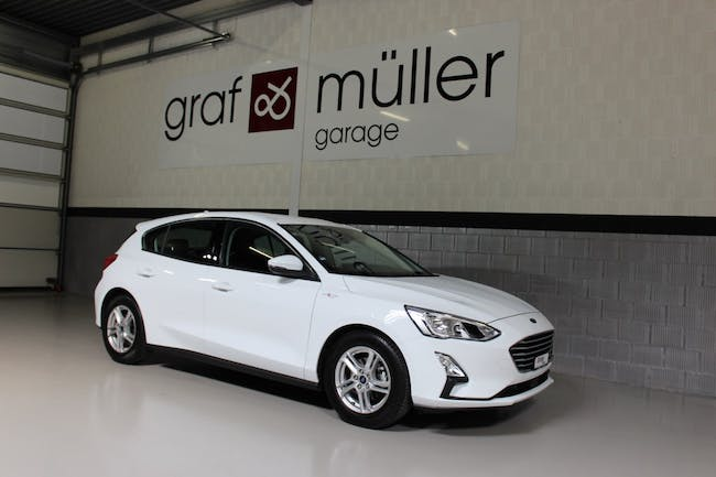 saloon Ford Focus 1.0 SCTi Business