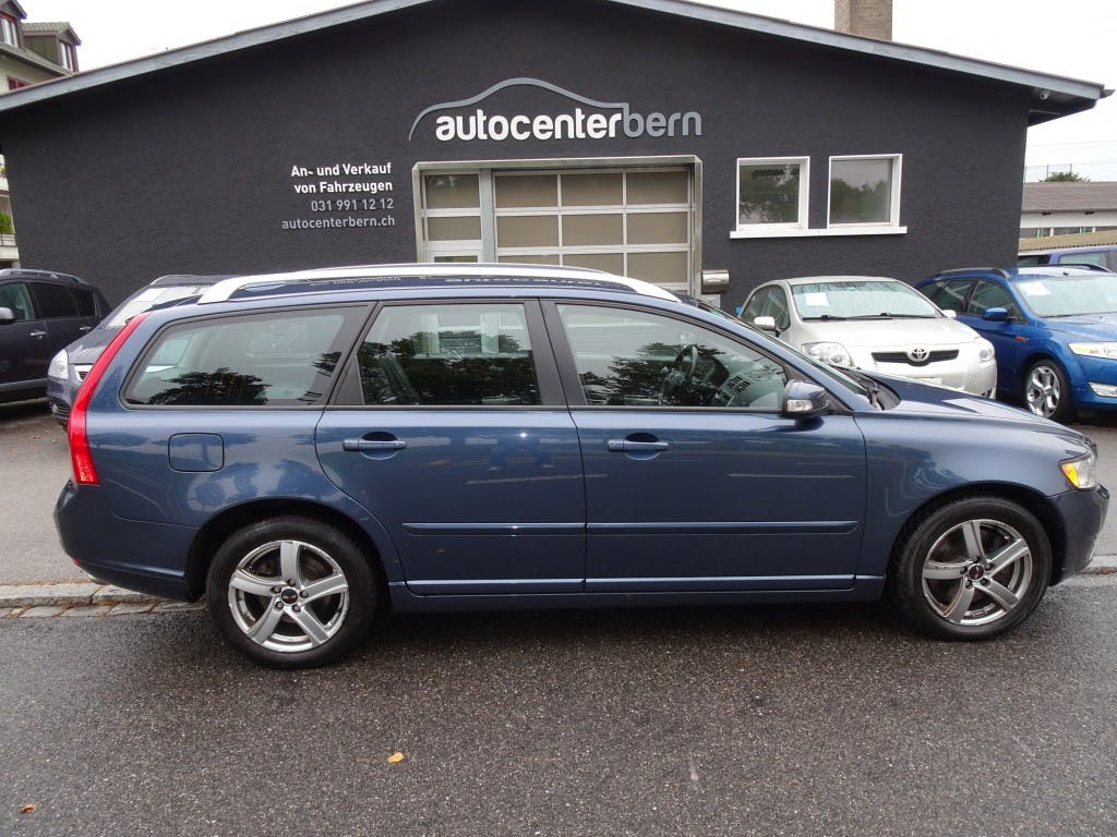 estate Volvo V50 D5 Summum Geartronic