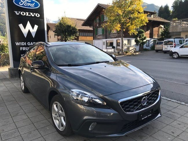 saloon Volvo V40 Cross Country T4 2.0 AWD Momentum Geartronic
