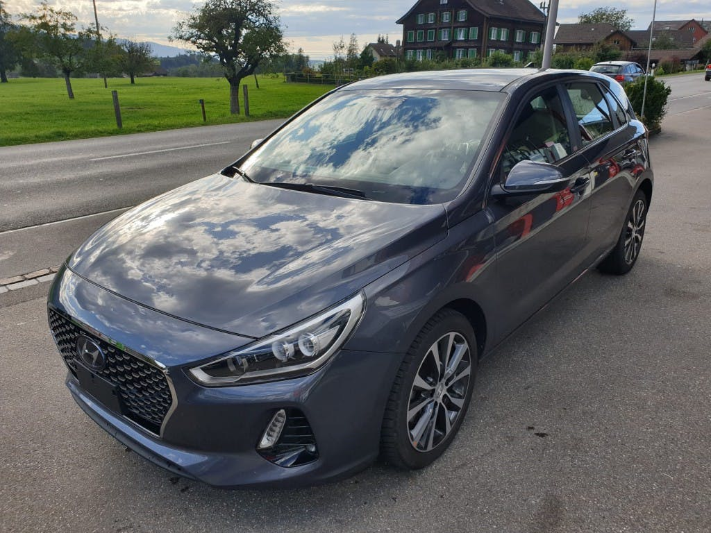 saloon Hyundai i30 1.6 CRDi Launch