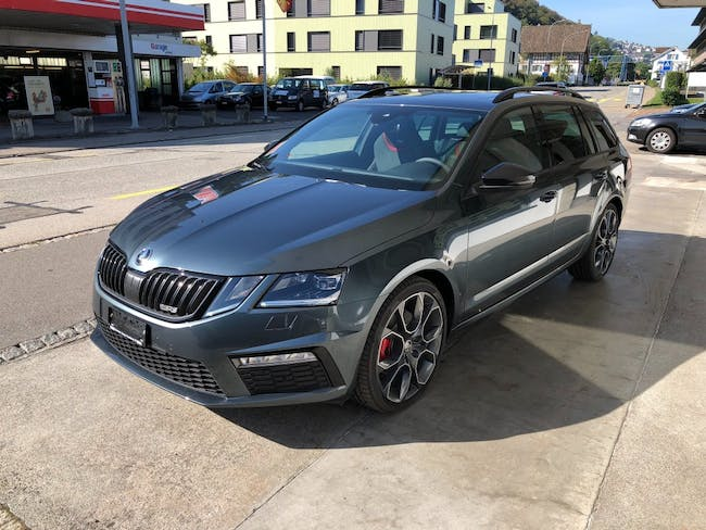 estate Skoda Octavia Combi 2.0 TDI RS