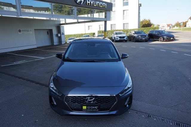 saloon Hyundai i30 1.4 T-GDI Vertex