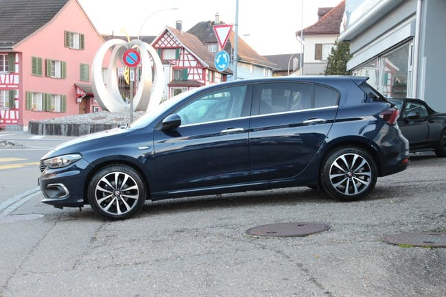 saloon Fiat Tipo 1.4 T-Jet Lounge