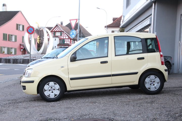 saloon Fiat Panda 1.1