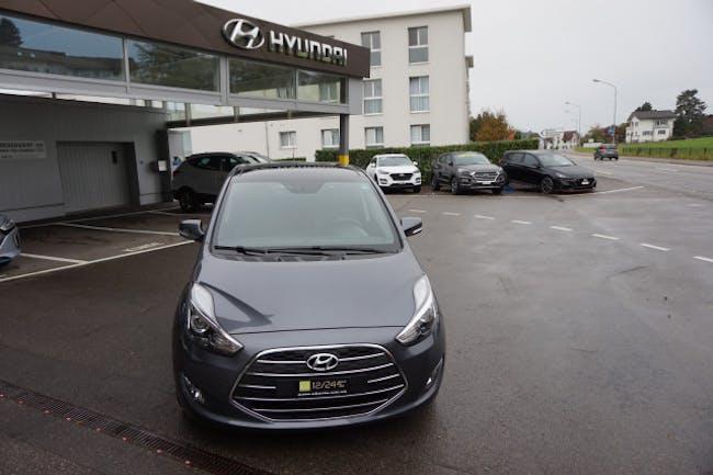 saloon Hyundai ix20 1.6 Vertex