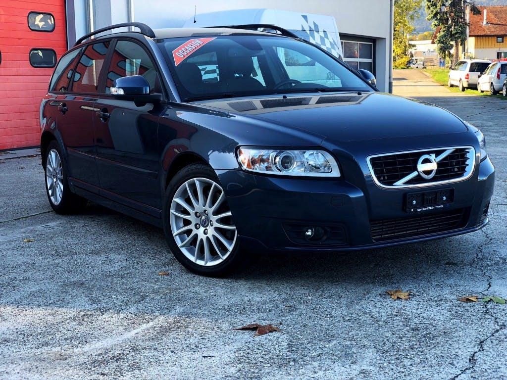 estate Volvo V50 D3 Momentum