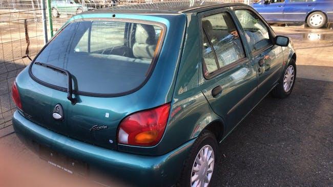 saloon Ford Fiesta 1.2i 16V Ghia