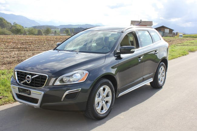 suv Volvo XC60 D3 AWD R-Design Geartronic