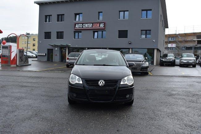 saloon VW Polo 1.6 16V Sportline