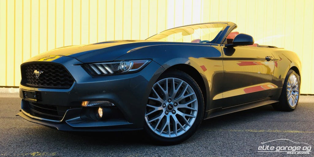 cabriolet Ford Mustang Convertible 2.3 Automat