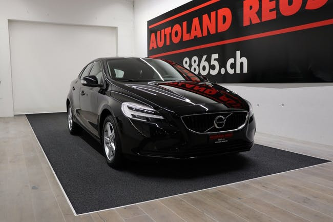 saloon Volvo V40 T3 Geartronic