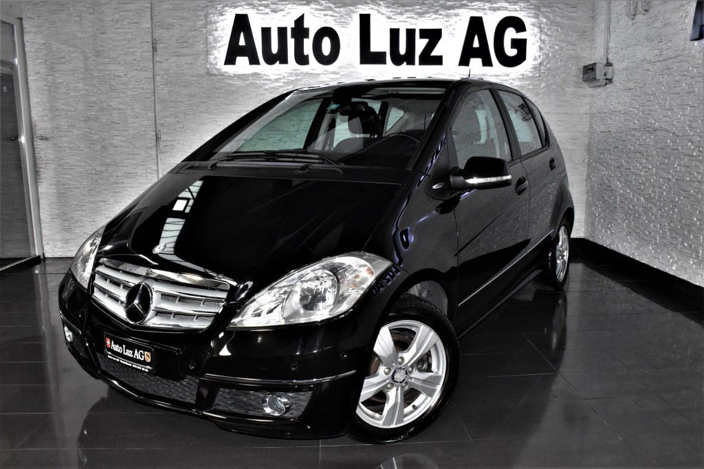 saloon Mercedes-Benz A-Klasse A 180 Selection Autotronic