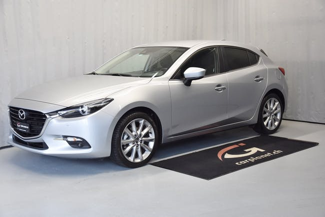 saloon Mazda 3 2.0 165 Revolution